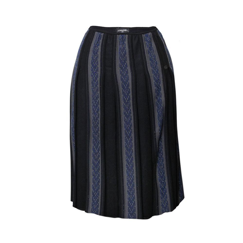 Chanel Size 40 Navy Skirt