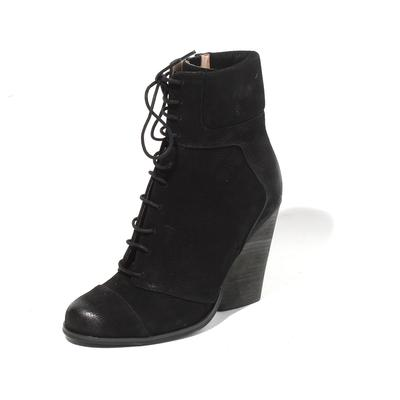 Max Studio Size 8 Boots
