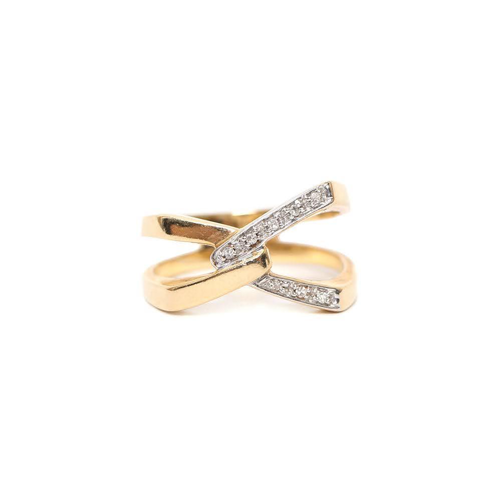 14k Yellow Gold & Diamond Ring Size 7/8