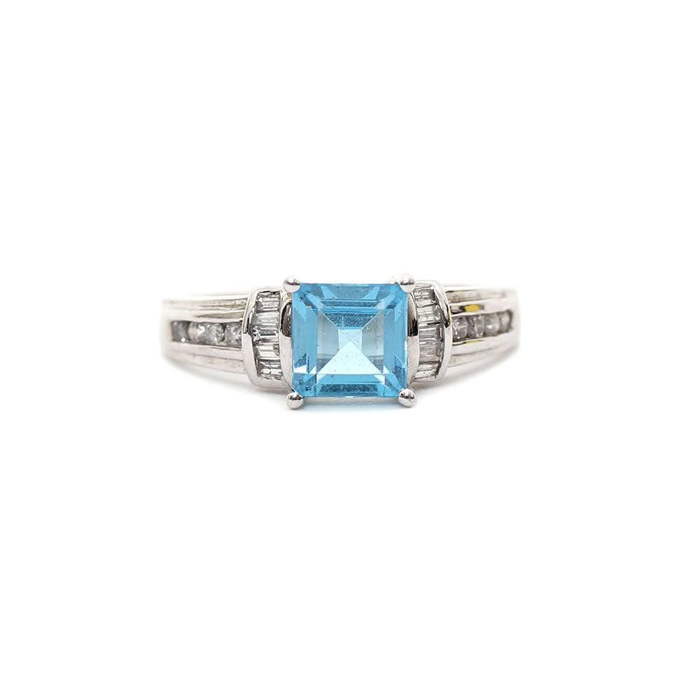 14k White Gold Diamonds & Blue Topaz Ring Size 9.5
