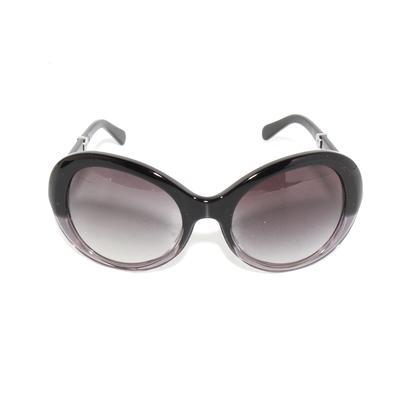 Chanell Two Tone 175/3C Sunglasses w/ Case