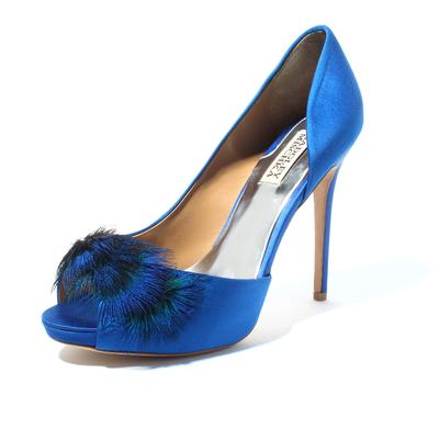 Badgley Mischka Size 8.5 Blue Feather Heel