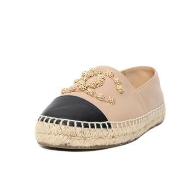 Chanel Size 38 Interlock CC Espadrille