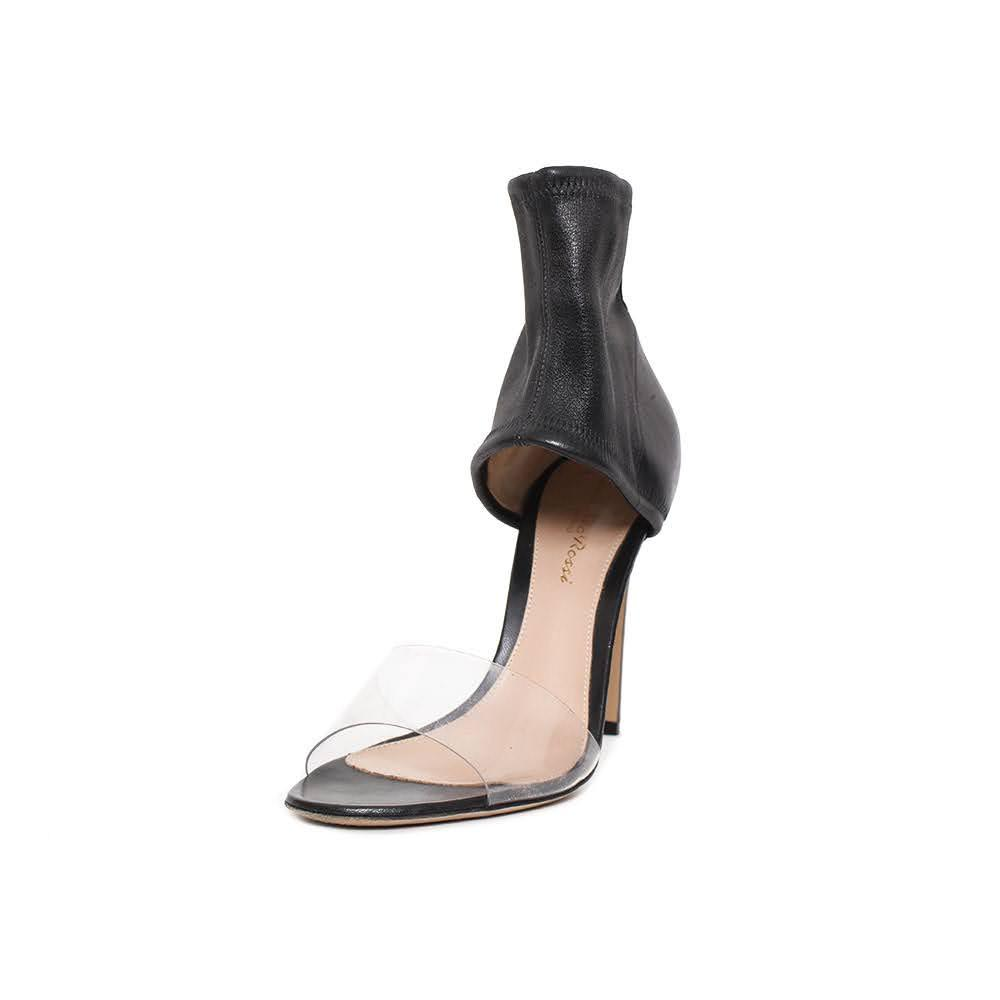 Gianvito Rossi Size 36 Black Heels