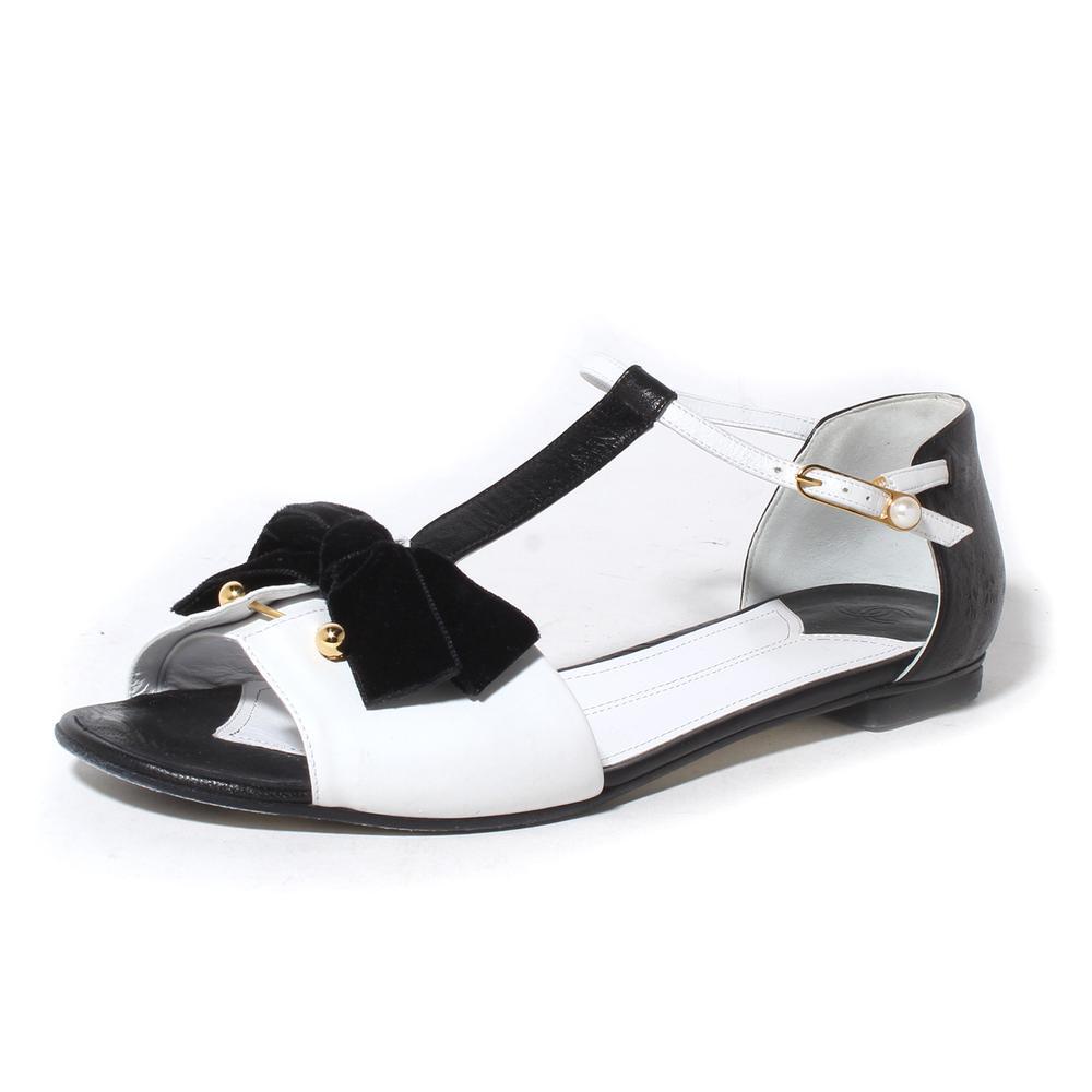 Chanel Size 39.5 Black And White T- Strap Sandal With Velvet Bow