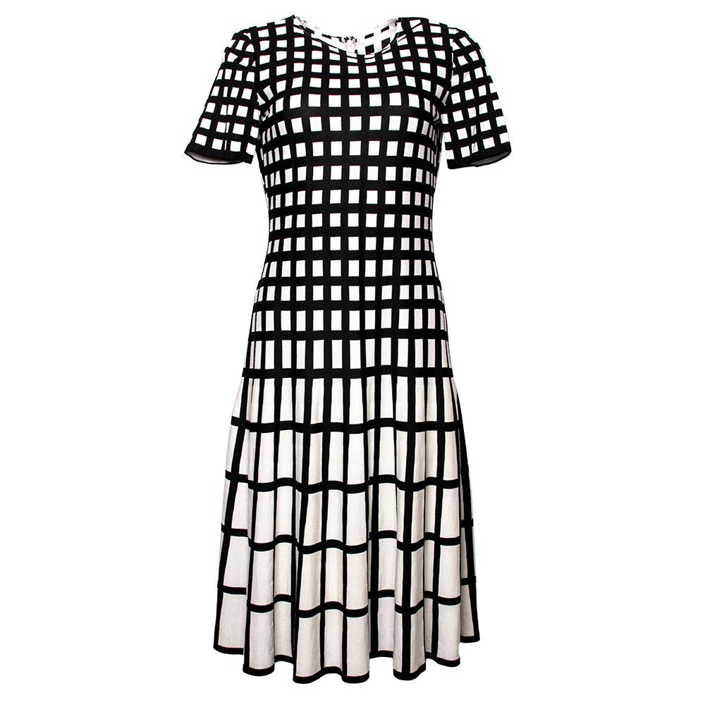 St.John Size 6 Black & White Dress