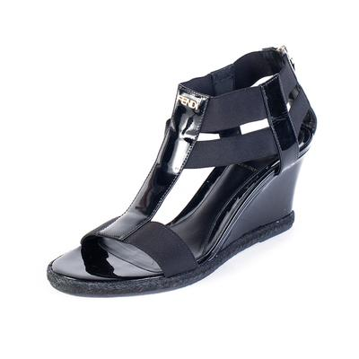 Fendi Size 38 Black Wedge
