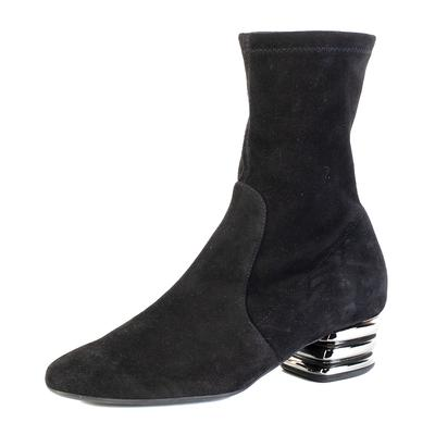 Stuart Weitzman Size 5.5 Black Suede Boot