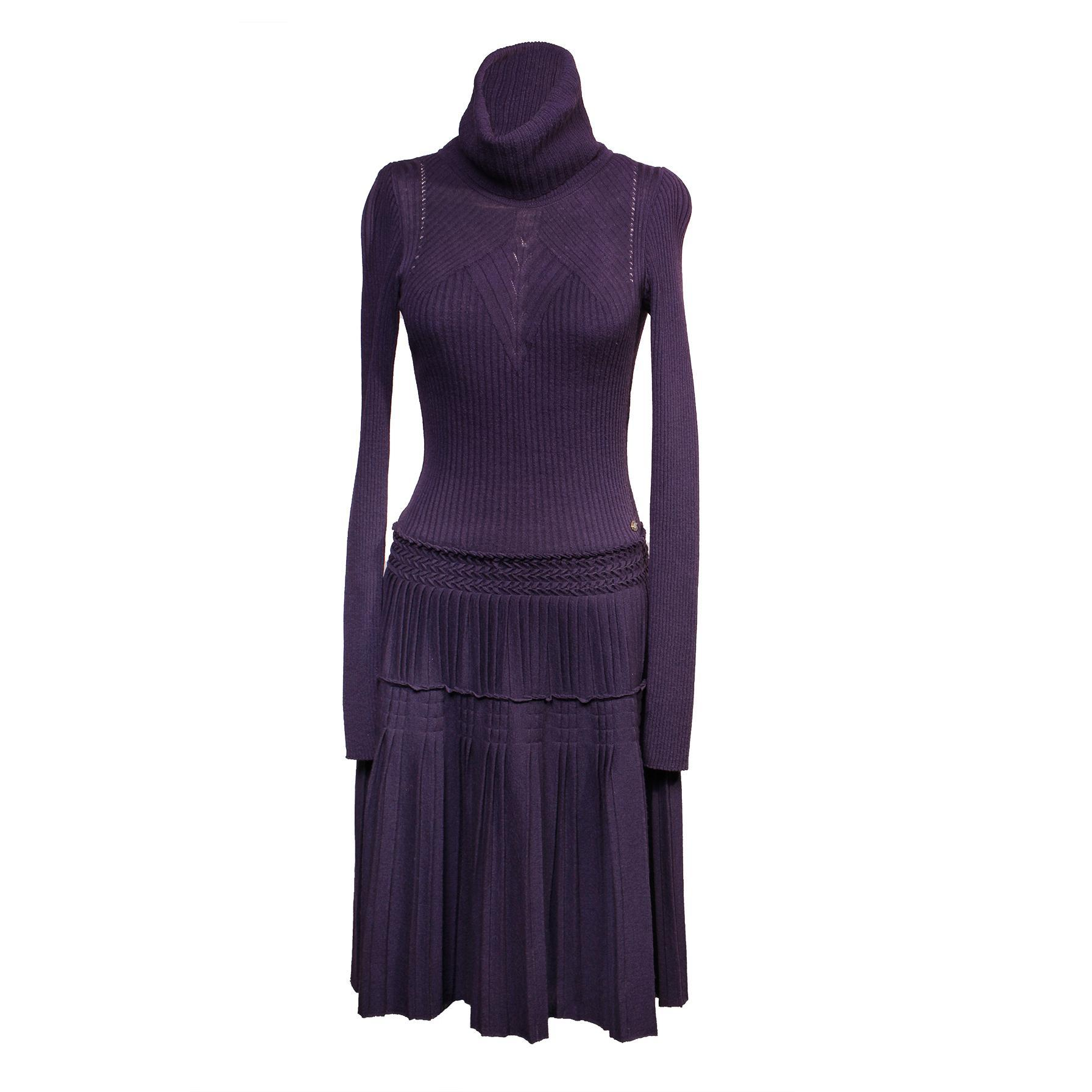 Chanel Size 38 Knit Turtleneck Dress