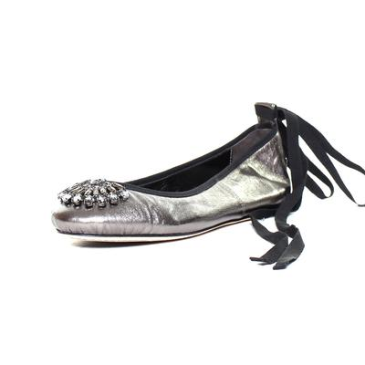 Jimmy Choo Size 8 Silver Satin Jewel Ballet Flats