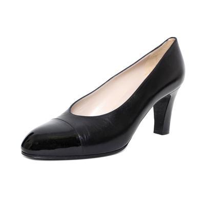 Chanel Size 38 Patent Toe Low Heel