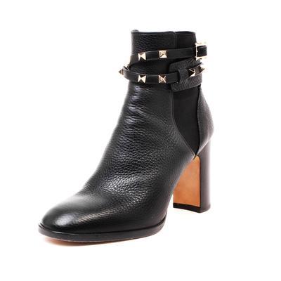 Valentino Size 38.5 Rockstud Boots