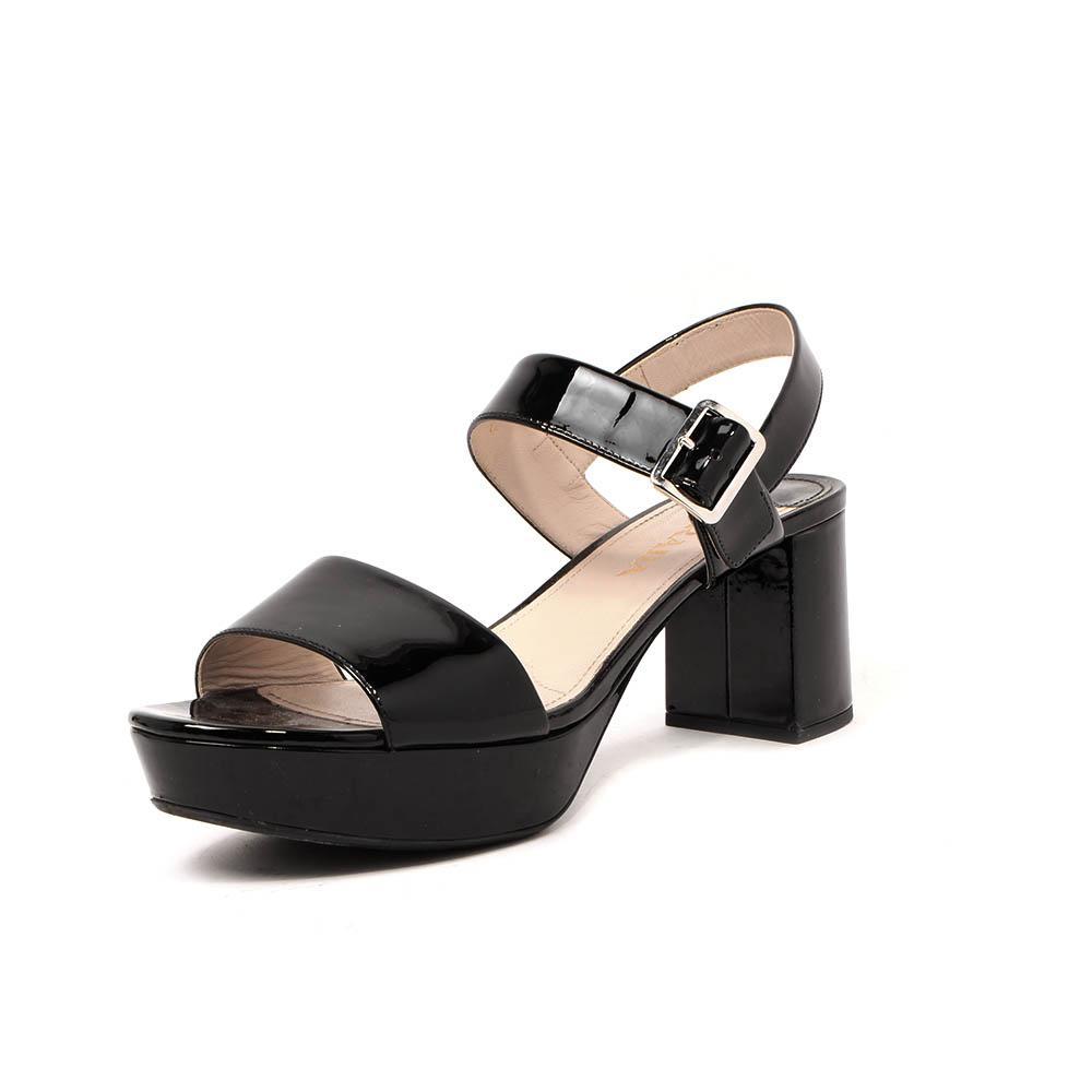 Prada Size 9.5 Black Sandals