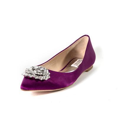 BadgleyMischka Size 8 Velvet Flats